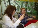 Cu poeta Ayten Mutlu din Turcia, pe terasa Muzeului Literaturii Române