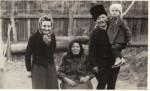Cu bunica maternă şi bunicii paterni