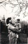 Cu mama în parc