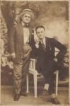 Ioan Cociş împreună cu vărul său, unchiul Drăguţ